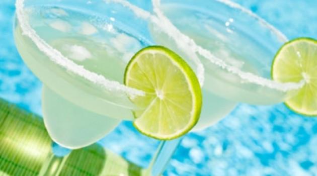 9 вкусных низкокалорийных летних коктейлей